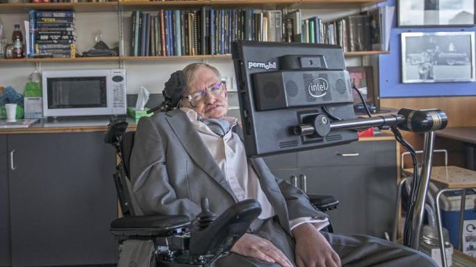 Hawking veut un «gouvernement mondial» pour empêcher les robots de détruire l'humanité