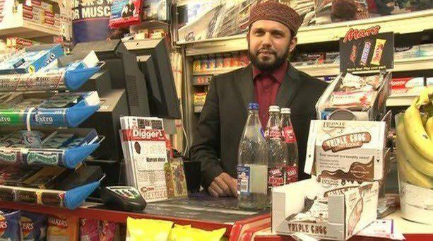 UK : Un épicier musulman tué pour avoir souhaité de joyeuses Pâques aux chrétiens