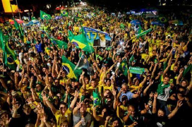 Brésil : Jair Bolsonaro élu, les évangéliques exultent