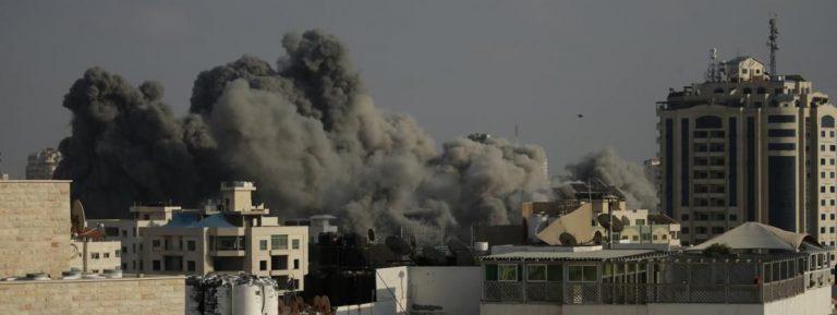 Israël attaqué par le hamas riposte avec des raids aériens