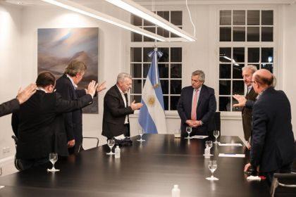 Argentine: face à la crise sanitaire, le président Alberto Fernandez décide de travailler avec les évangéliques