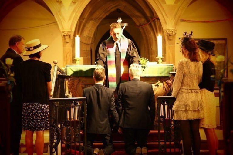 France : un pasteur homosexuel a décidé de bénir les couples de même sexe