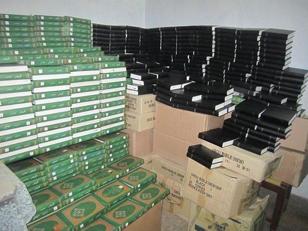 Plus de 250 000 Bibles distribuées dans des zones de conflit