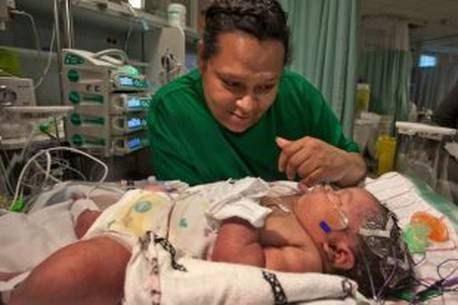 Canada : déclaré mort, ce bébé revient à la vie après les prières de sa mère