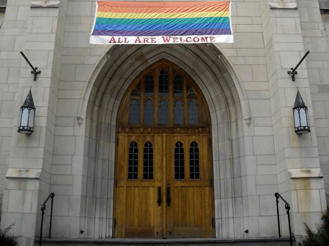 L'Eglise anglicane veut célébrer des «baptêmes» de personnes transgenres