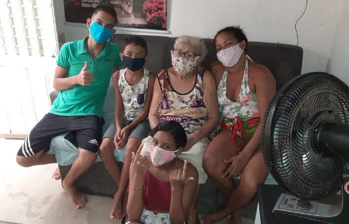 Brésil : à 88 ans, elle célèbre Jésus pour sa guérison du COVID-19